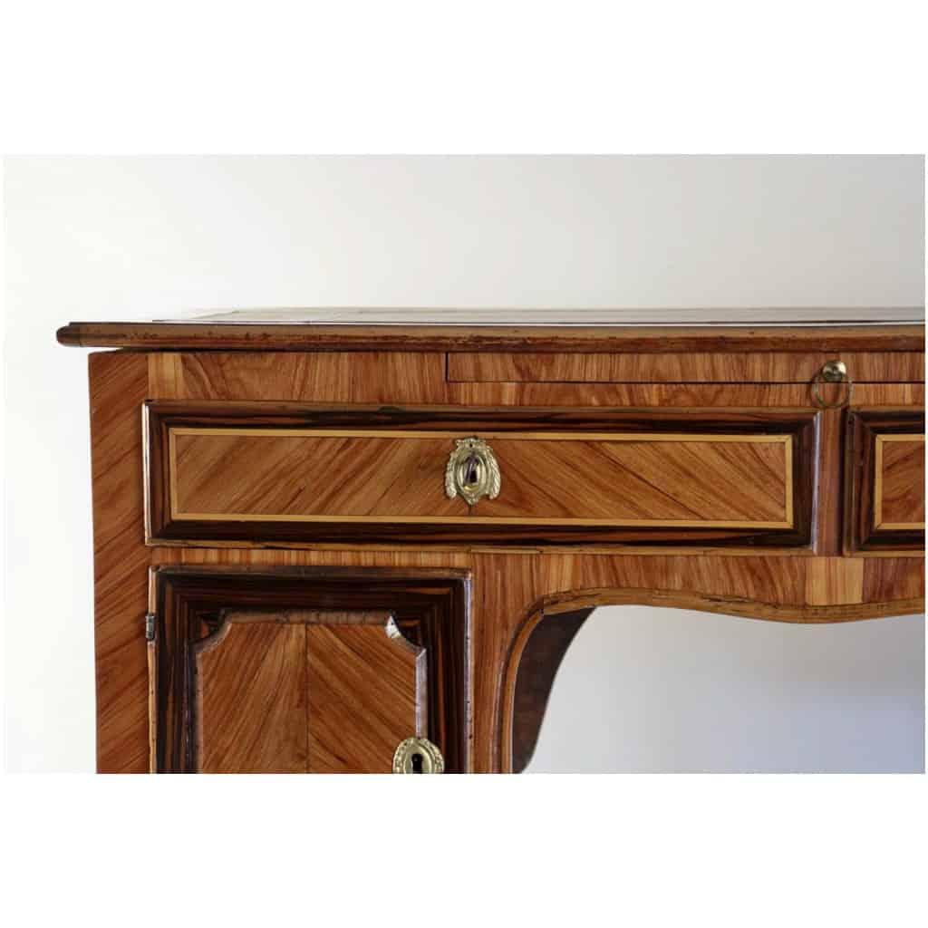 Bureau à caissons en bois de Rose et Palissandre d'époque Transition Louis XV-Louis XVI 7