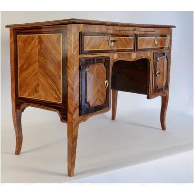 Bureau à caissons en bois de Rose et Palissandre d'époque Transition Louis XV-Louis XVI
