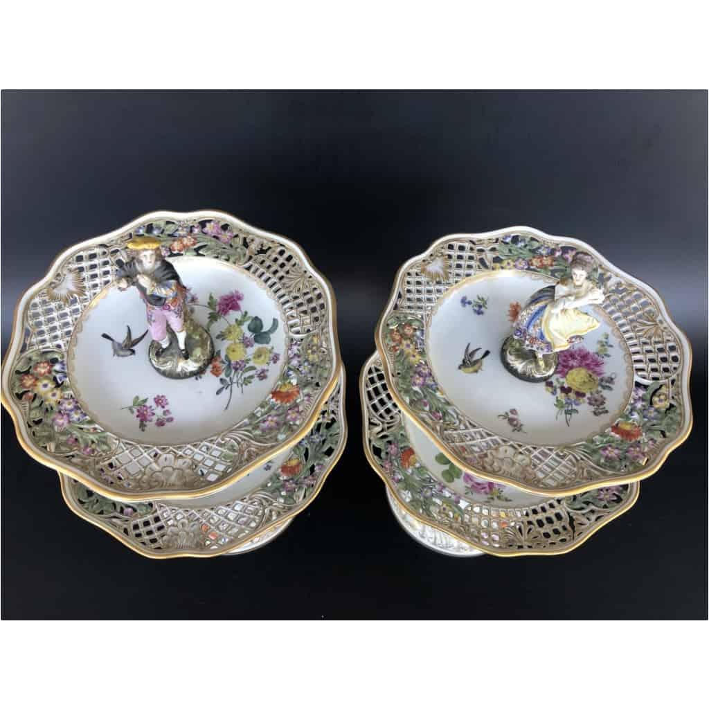 Paire De Serviteurs De Table En Porcelaine Vers 1900 7