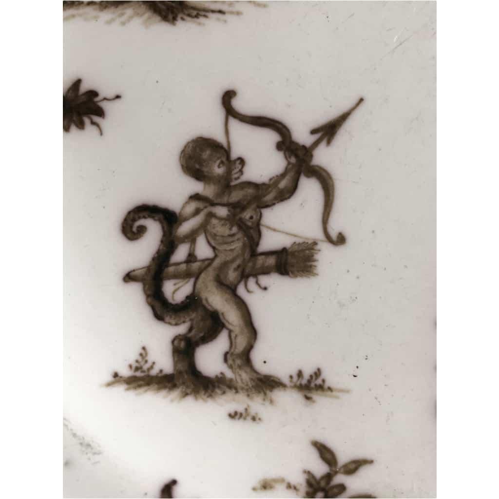 Assiette En Faïence De Moustiers Décor Aux Grotesques signée Jean Etienne Baron 6