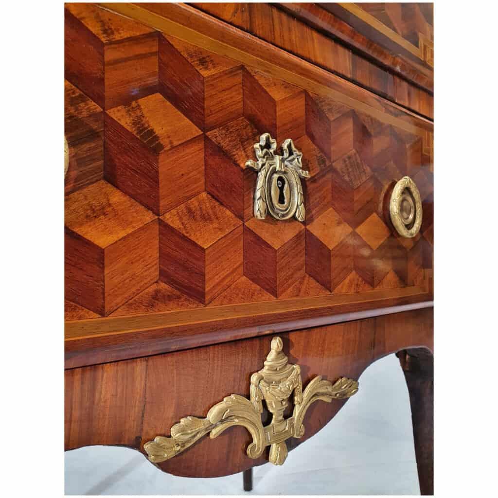 Commode Transition Louis XV, Louis XVI – Marqueterie Cubes – Bois de Rose, Palissandre – 18ème 10