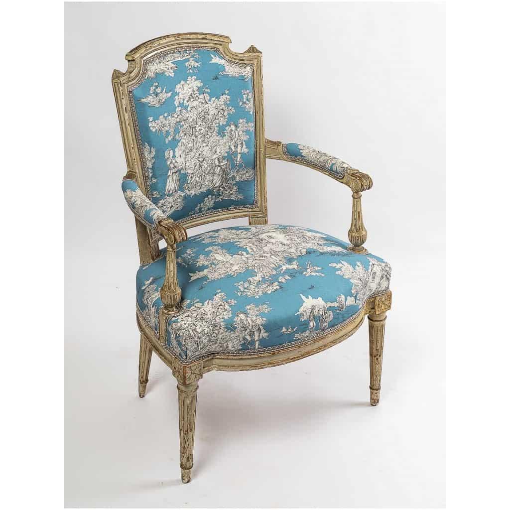 Paire de fauteuils en hêtre laqué mouluré et sculpté époque Louis XVI vers 1780 5