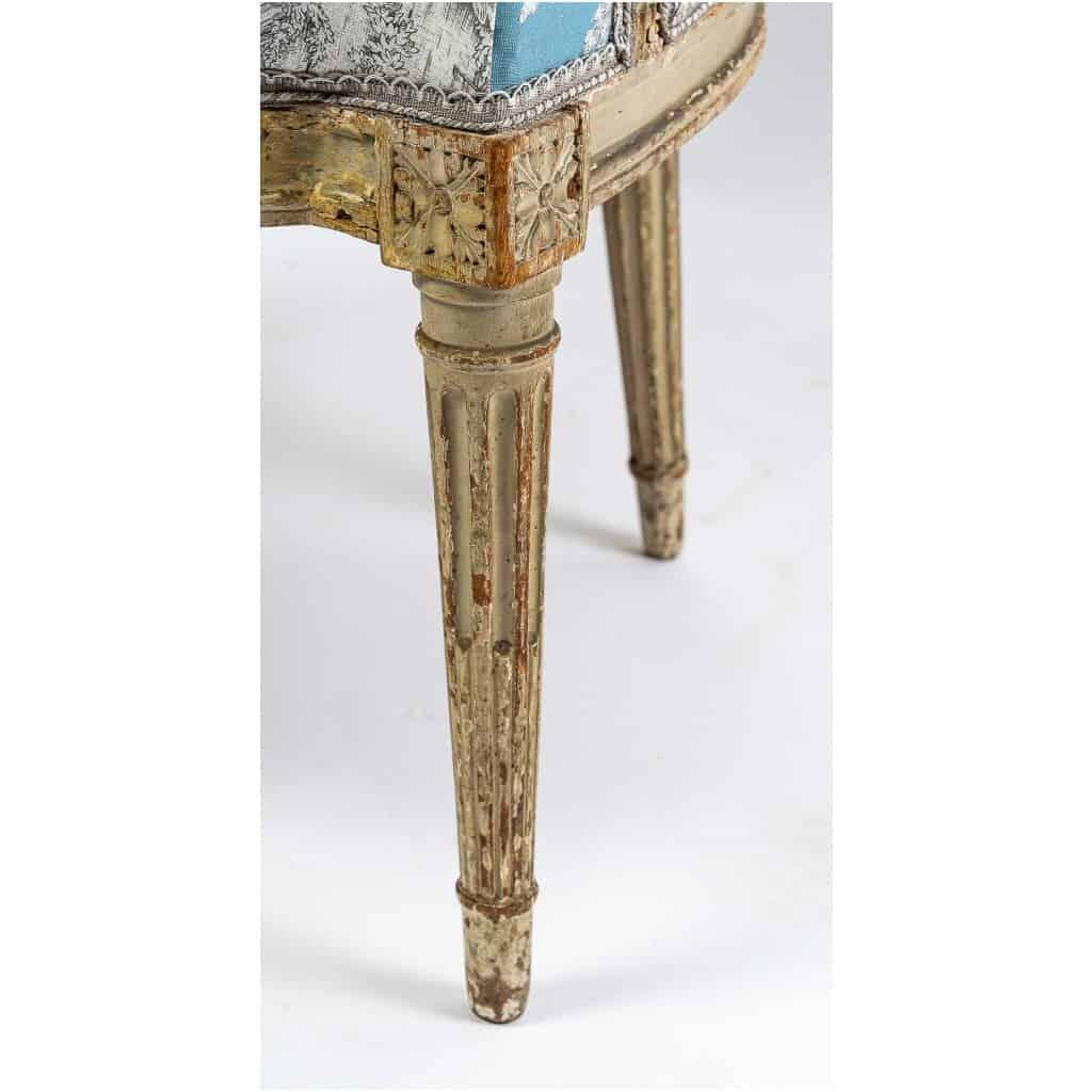 Paire de fauteuils en hêtre laqué mouluré et sculpté époque Louis XVI vers 1780 9
