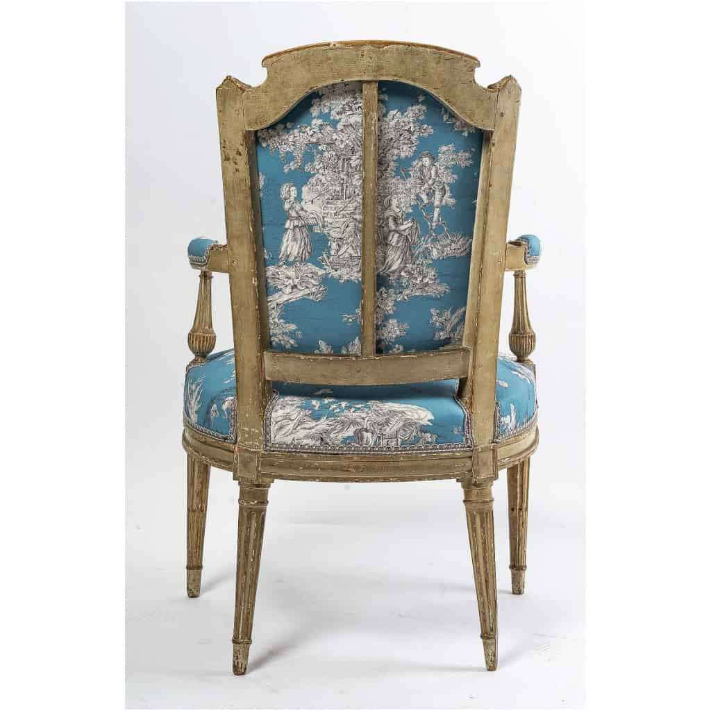 Paire de fauteuils en hêtre laqué mouluré et sculpté époque Louis XVI vers 1780 11
