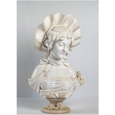 Sculpture en marbre Blanc de Carrare Buste d'une Élégante école Française vers 1900