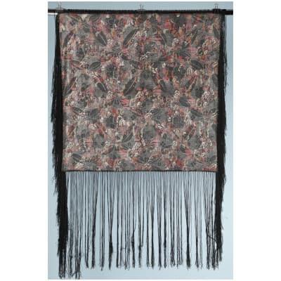 Châle 1930 en soie noire imprimé en couleurs et lamé argent