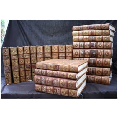 Oeuvres d'Anatole France en 22 Volumes chez les Editions Calmann Levy en 1925