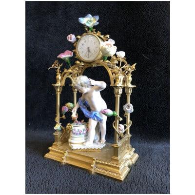 Pendulette Porcelaine Allemande Monture Bronze Doré Fin XIXème