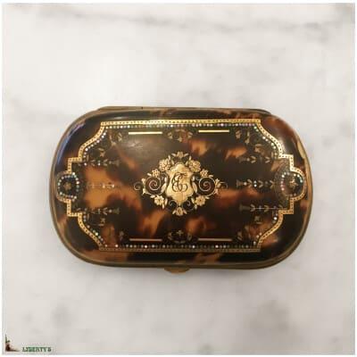 Porte-monnaie écaille de tortue avec incrustations, larg. 8.5 cm (Fin XIXe)