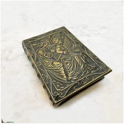 Boîte en bronze signé Max Le Verrier, 10 cm x 14.5 cm (Mi XXe)