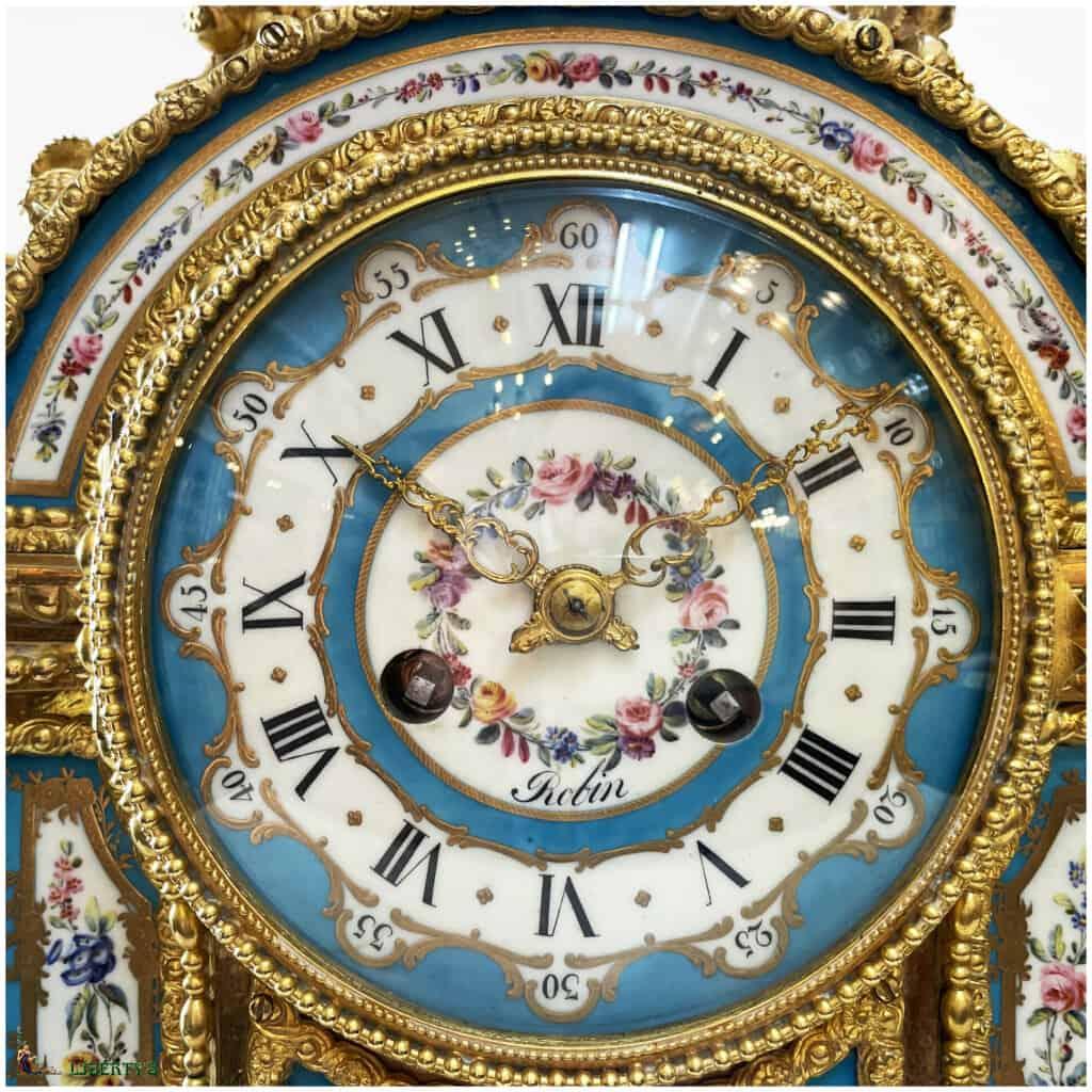 Pendule bronze doré au mercure avec 12 plaques porcelaine de Sèvres, aiguilles ajourées, suspension à fil de soie, signée Robin à Paris, Haut. 47 cm, Mi. XIXe - 2