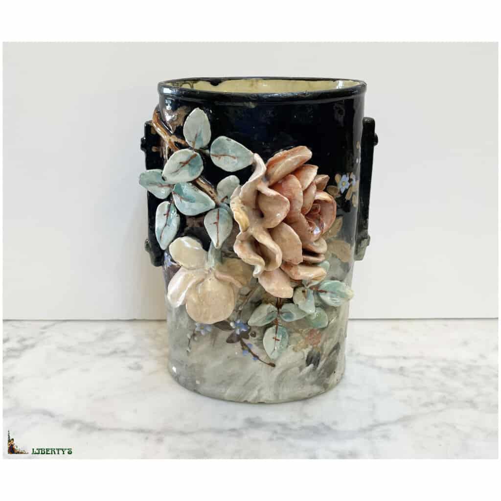 Vase barbotine avec fleurs de Edouard Gilles, haut. 21.5 cm (Fin XIXe)