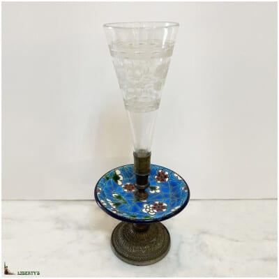 Vase cornet Emaux de Vieillard Bordeaux avec monture bronze et coupe en cristal, haut. 21 cm (Fin XIXe)