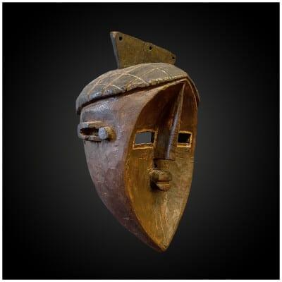Masque anthropomorphe Culture Lwalwa, Afrique centrale