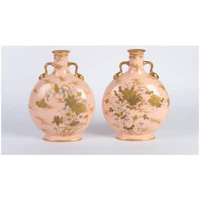 Paire de Vases roses forme gourde XIXème Minton