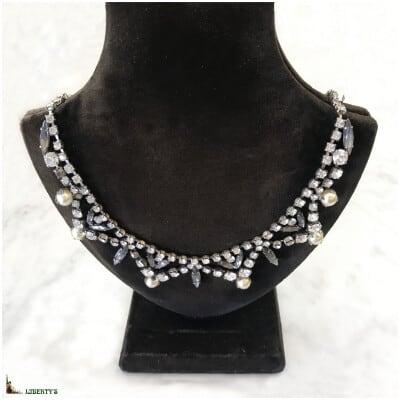 Collier argenté avec strass et perles, long. 46 cm, (1950-1960) 3