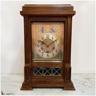 Pendule bois avec sonnerie son Westminster aux heures, demis et quarts, de Junghans, haut. 41.5 cm, (Deb XXe)