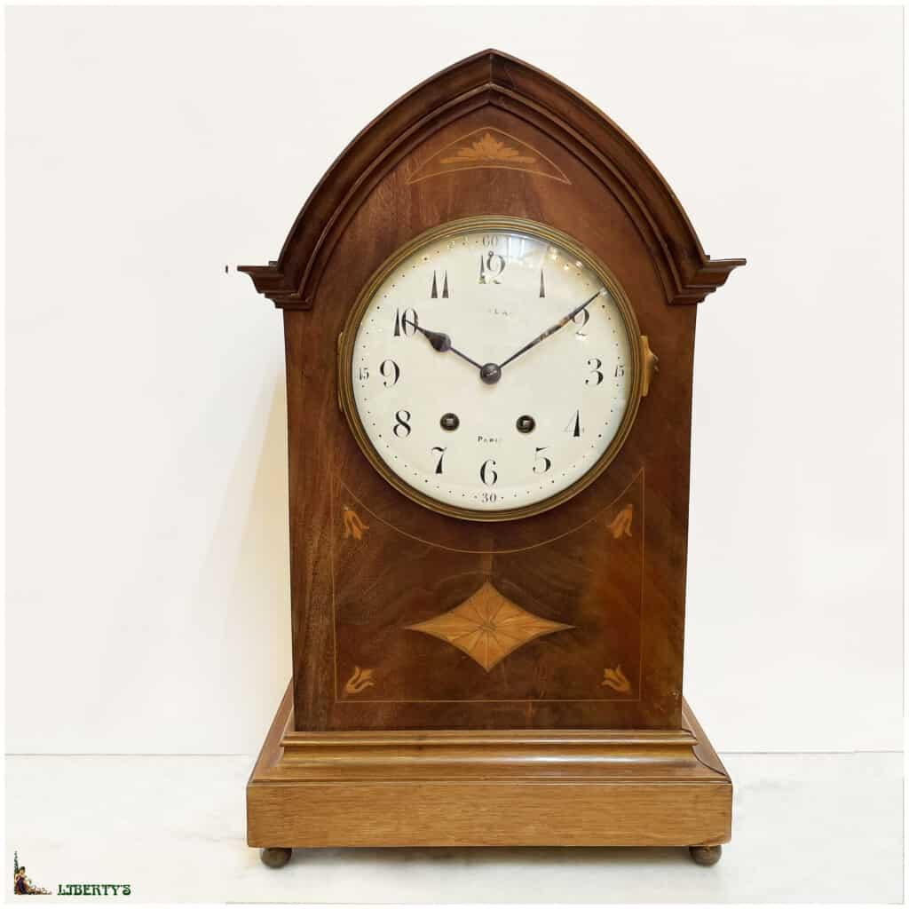 Pendule borne bois, haut. 50 cm, Deb. XXe