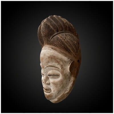 Masque Anthropomorphe «Okuyi» Culture Punu/Lumbo, Sud du Gabon Premier quart du XXème siècle