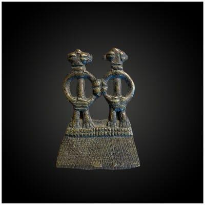 MINIATURE figurant un COUPLE ANTHROPOMORPHE Culture Toussian, Sud-Ouest du Burkina Faso Première moitié du XXème siècle