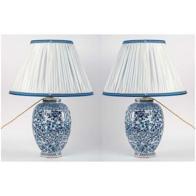 Paire de potiches couvertes en faïence Bleue et Blanche de Delft XIXème siècle montées en lampe