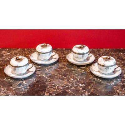 Quatre tasses couvertes Japon XIXème