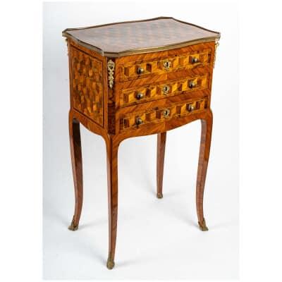 Table chiffonnière LOUIS XV estampillée XVIIIème siècle