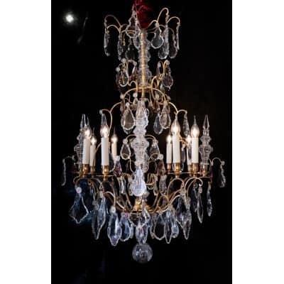 Baccarat – Lustre cage de style Louis XV en bronze doré à décor de cristal taillé vers 1880-1890