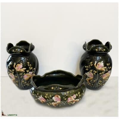 Garniture 3 pièces barbotine emaillée Fives-Lille avec orchidée, haut. 22.5 cm, (Fin XIXe)
