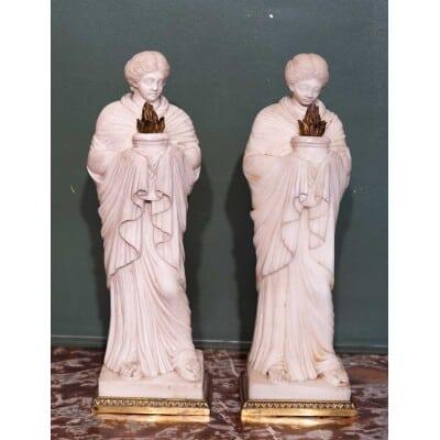 Paire de vestales en marbre. Circa 1860