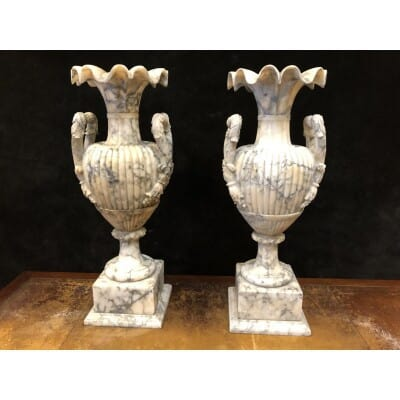 Grande Paire De Vases En Albâtre Italie Fin XIXème H : 72 Cm