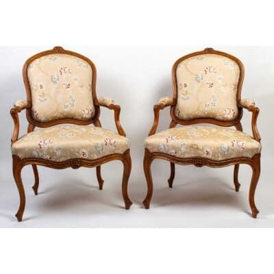 Paire de fauteuil LouisXV. XVIIIe siècle.