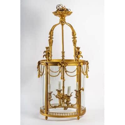 Lanterne de style Louis XVI en bronze doré. Circa 1970