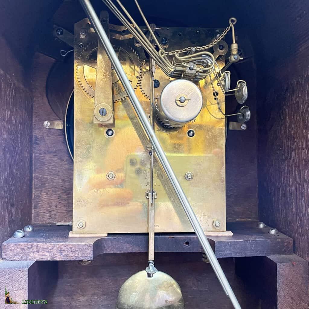 Carillon bois Art-Deco avec sonnerie son Westminster aux heures, demis et quarts de Junghans, haut. 39.5 cm, (Deb XXe) - 2