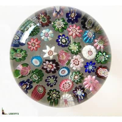 Boule presse-papiers de Clichy avec millefiori dont deux roses, diam. 75 mm (Mi XIXe)