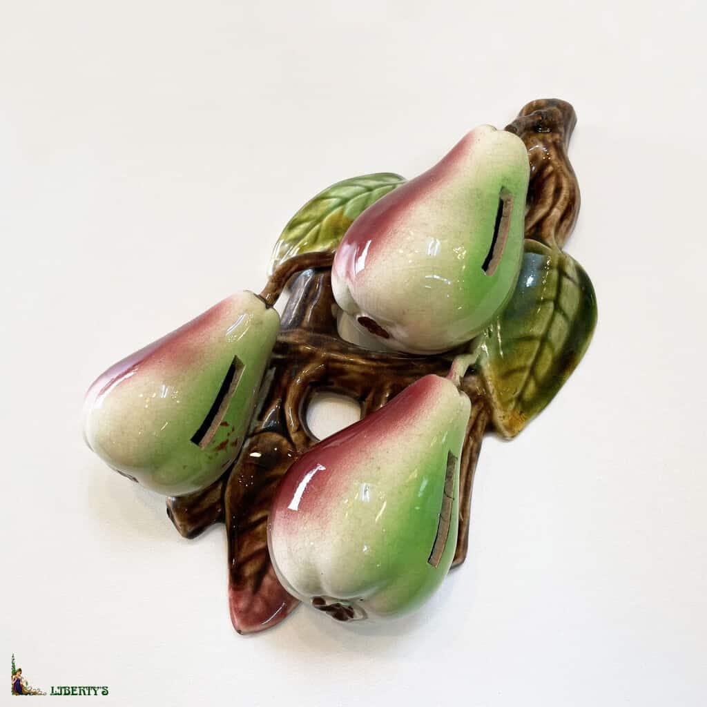 Tirelire barbotine avec poires d'Orchies, haut. 27.5 cm, (Deb. XXe)
